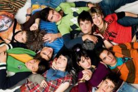 Los actores de 'FoQ' recrean 12 años después la mítica imagen de la serie