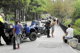 La Policía Local ha impuesto unas 600 multas a masajistas chinas en las playas de Calvià
