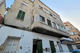 Okupas de un edificio de Pere Garau siembran el temor entre los vecinos