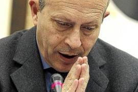Padres de alumnos acusan a Wert de «insultar a miles de familias»
