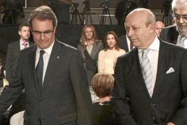 El Gobierno advierte a Mas de que se enfrenta a una pena de inhabilitación