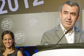 Lorenzo Silva gana el Planeta con la séptima entrega de la saga de sus conocidos guardias civiles