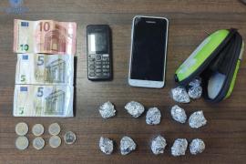 Tres detenidos por tráfico de drogas en Son Gotleu