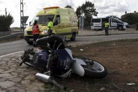 Un motorista de 26 años muere tras chocar con una rotonda en una urbanización de  Marratxí