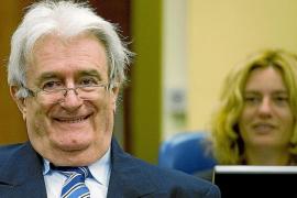 Karadzic: «Deberían premiarme por intentar frenar la guerra»