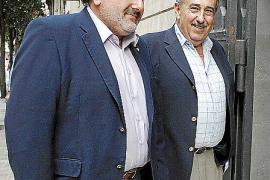 Afedeco y Pimeco acusan al Govern de «reírse» de los problemas del comercio