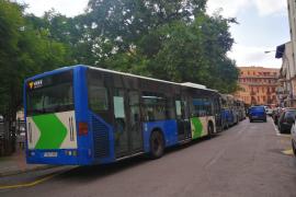 La EMT reduce a un tercio el aforo de los autobuses
