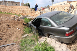 Aparatoso accidente en Palma: «Le he dejado el coche a mi amigo y me lo acaba de empotrar»
