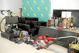 La banda desarticulada cometió al menos 56 robos en casas de Mallorca, algunas habitadas