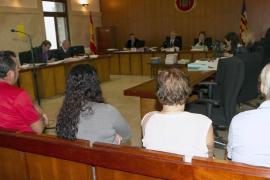 Dos psicólogas mantienen que las dos menores sufrieron abusos sexuales