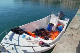 Detenidos dos patrones por transportar a migrantes argelinos en patera a Mallorca