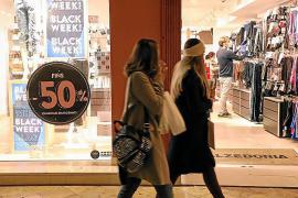 El descenso de ventas del comercio balear no se salva ni con el Black Friday