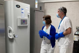 Llegan a Baleares las primeras dosis de la vacuna contra el coronavirus