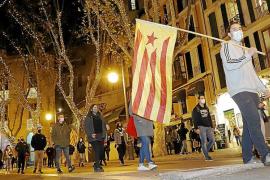 Un centenar de jóvenes se manifiesta en Palma por la autodeterminación