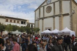 Tapas, vinos y artesanía en la Fira de Tardor de Consell