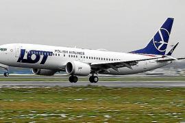 Imagen de archivo de un avión de la aerolínea con bandera polaca LOT