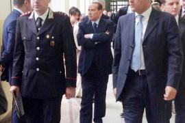 Berlusconi niega escenas de sexo en su casa en el juicio por el 'caso Ruby'