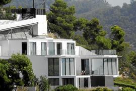 Desvalijan una casa de lujo en Camp de Mar y huyen con un botín de 100.000 euros