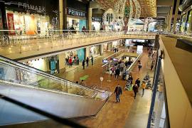 Afluencia de clientes en los centros comerciales por las restricciones