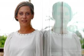 María León se siente «una estafadora que no merece tantos premios»