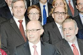 La 'letra pequeña' del rescate pone a Balears en manos de Montoro