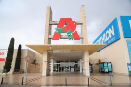 Confusión en el primer fin de semana de cierre de los centros comerciales