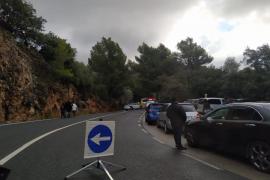 Aluvión de multas a conductores por colapsar la Serra para ver la nieve
