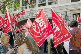UGT denuncia que el Govern ya ha dejado sin trabajo a más de 2.000 interinos