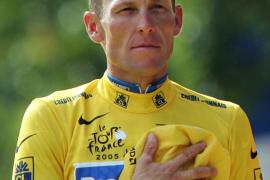 La UCI sanciona a Armstrong de por vida y le quita sus siete Tours