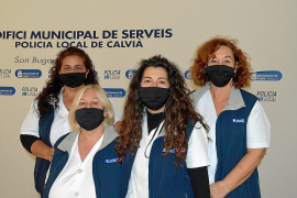 El alcalde de Calvià condecora a las mujeres de la limpieza del cuartel de la Policía Local