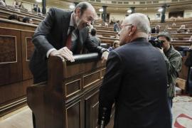 Rubalcaba prevé más recortes para cuadrar las cuentas de 2013