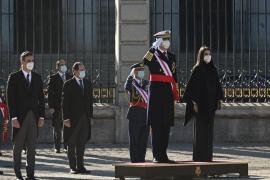 El Rey y Robles homenajean a las víctimas de la pandemia