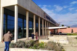 Las bajas por la COVID-19 en el hospital de Inca obligan a trasladar enfermeras desde Manacor