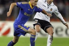 """Un """"hat-trick"""" de Soldado concretó la superioridad del Valencia (0-3)"""
