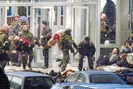 Rusia recuerda a las víctimas del secuestro del teatro Dubrovka