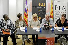 El escritor Koulsy Lamko recibe hoy el premio 'Veu Lliure' del PEN Català