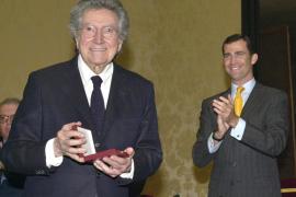 El Rey concede el título  de marqués a Antoni Tàpies
