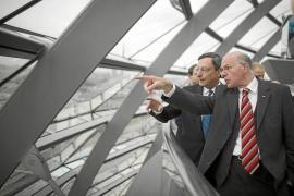 Draghi defiende ante el Bundestag la compra masiva de bonos españoles