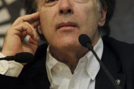 Marías rechaza el Premio Nacional de Narrativa «para no ser vinculado a partidos políticos o al poder»