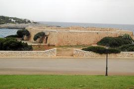 Un empresario planea convertir la fortaleza protegida de es Fortí de Cala d'Or en un 'chill out'