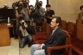La Audiencia retira el pasaporte a Miquel Nadal y le prohíbe abandonar el país