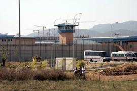 Un preso muere en la cárcel de Palma atragantado cuando cenaba albóndigas