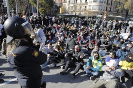 La protesta de los restauradores interrumpe el tráfico en Palma