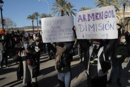 Armengol promete ayudas y la oposición pide soluciones urgentes ante un enero negro para la restauración