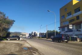 El Consell de Mallorca limpia el arcén de la carretera del polígono de Can Valero y retira 4m3 de residuos