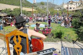Sa Taronja exprime sus últimos días con un circo, música, talleres y mercadillos