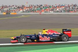 Vettel consigue una nueva 'pole' en la India mientras que Alonso saldrá quinto