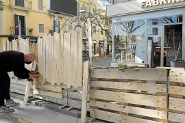 Multa de 600 euros para los bares de Palma que no retiren las terrazas