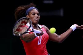 Serena vence a Sharapova y se convierte en maestra por tercera vez