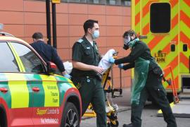 El Reino Unido suspende los corredores aéreos para evitar cepas importadas de coronavirus